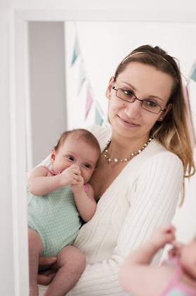 http://pogacia-photo.com/files/gimgs/12_bakonyizsuzsababyfamilyphotography35.jpg