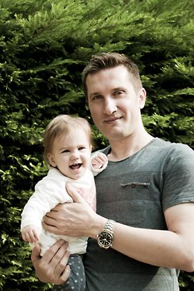 http://pogacia-photo.com/files/gimgs/12_bakonyizsuzsababyfamilyphotography36.jpg