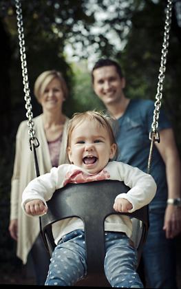 http://pogacia-photo.com/files/gimgs/12_bakonyizsuzsababyfamilyphotography47.jpg