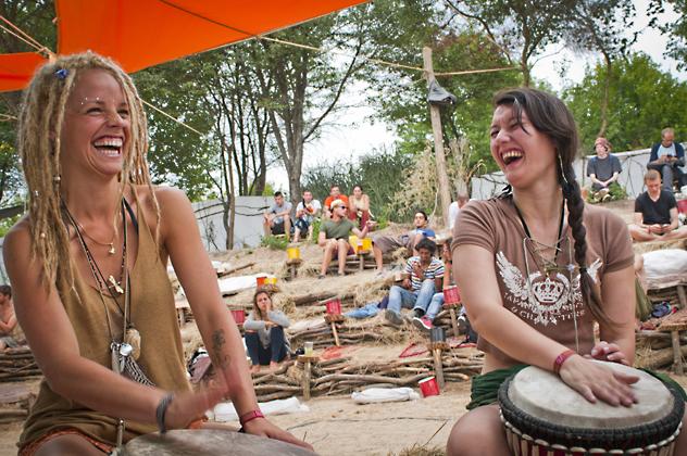 http://pogacia-photo.com/files/gimgs/36_bakonyizsuzsasunfestival2013photos16.jpg