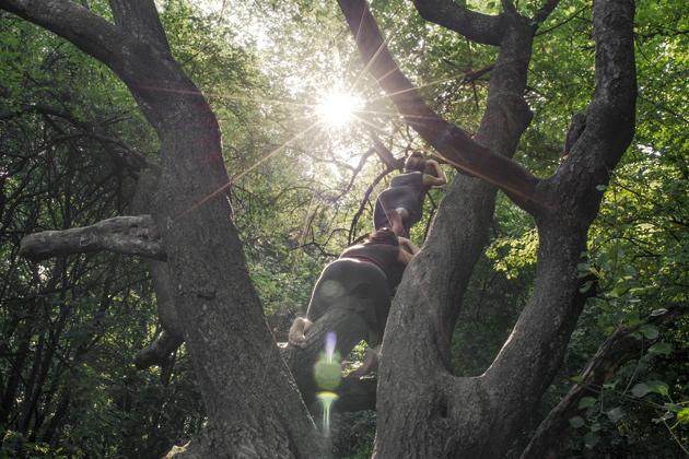 http://pogacia-photo.com/files/gimgs/39_bakonyizsuzsadancebutohphotography009.jpg