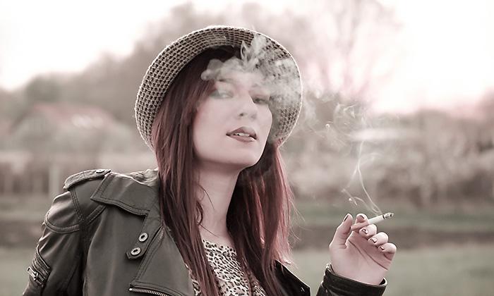 http://pogacia-photo.com/files/gimgs/6_portraitcigarettebakonyizsuzsapogacia.jpg