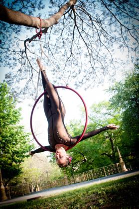http://pogacia-photo.com/it/files/gimgs/22_acrobatpogaciaphoto01.jpg