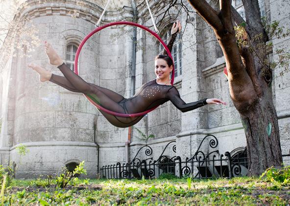 http://pogacia-photo.com/it/files/gimgs/22_acrobatpogaciaphoto08.jpg