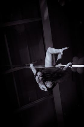 http://pogacia-photo.com/it/files/gimgs/22_acrobatspogaciaphoto47.jpg