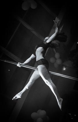 http://pogacia-photo.com/it/files/gimgs/22_acrobatspogaciaphoto52.jpg
