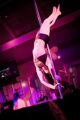 http://pogacia-photo.com/it/files/gimgs/22_acrobatspogaciaphoto57.jpg